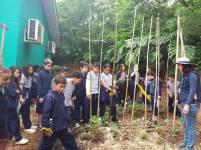 Alunos de escolas municipais de Alvorada visitando Horto - Foto: Mônica Moreira